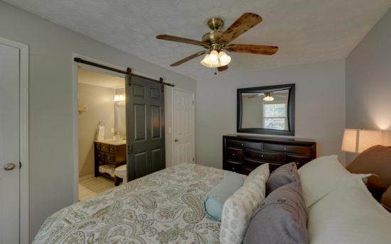 B3-Master Bedroom-2